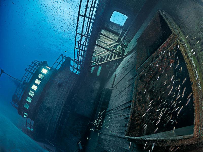 "© Pier Mane/UPY2020: ""Dead steel resurrection"", 3. Platz in der Kategorie ""Schiffswracks"""