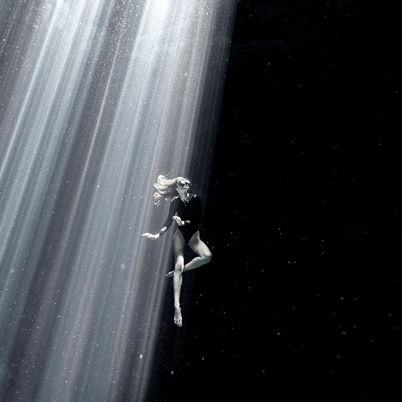 """© Zena Holloway/UPY2020: """"Earthless"""", 3. Platz in der Kategorie """"Schwarz-Weiß"""""""