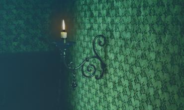 Ausschnitt: Kerze mit Schatten