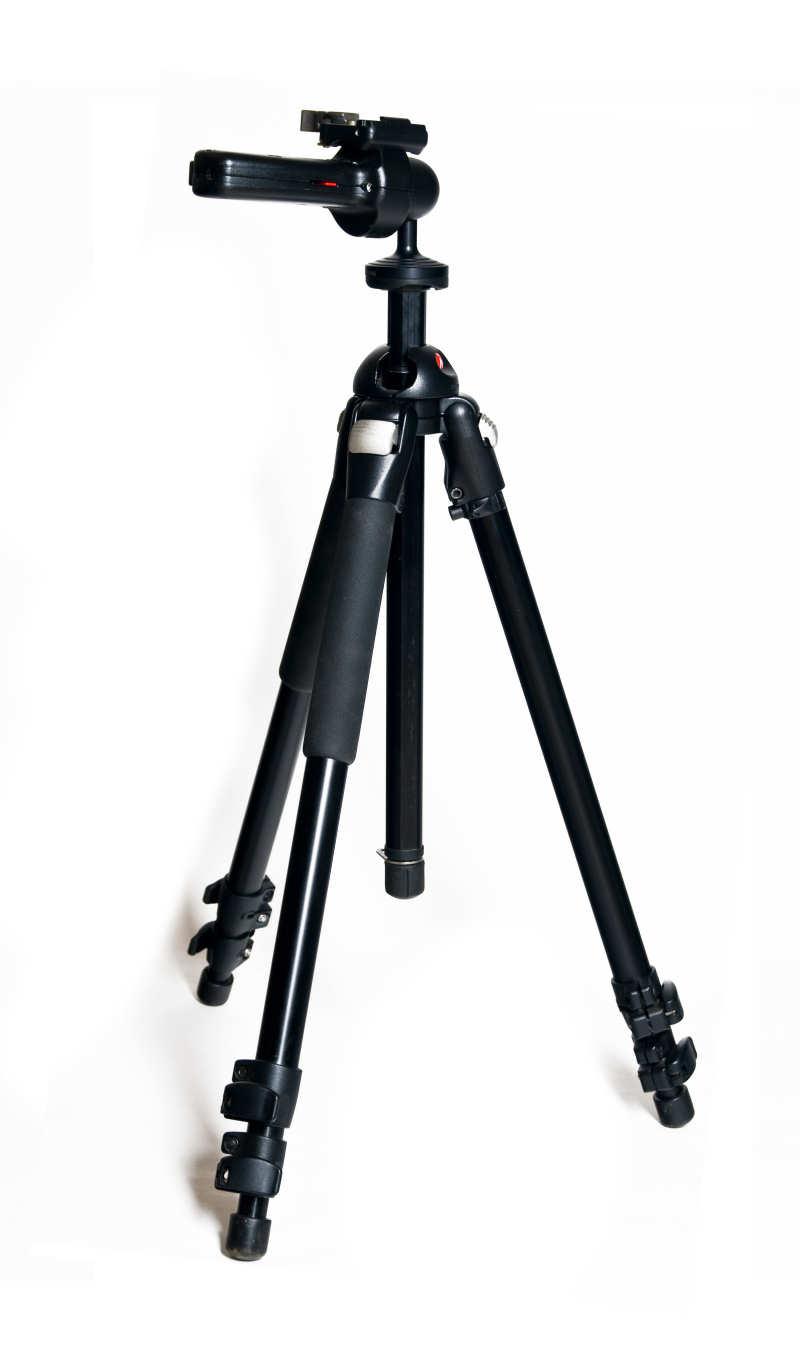Das Dreibeinstativ Manfrotto 055XPROB ist aufgrund der abspreizbaren Beine makrotauglich, verfügt aber außerdem noch über eine Mittelsäule die sich waagerecht oder um 180° gedreht montieren lässt, sodass Sie auch die Kamera kopfüber direkt über dem Boden positionieren können