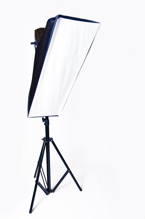 Ein Studioblitz mit 90x30cm Softbox
