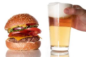 Produkte in Szene setzen: Ein Burger fügt sich