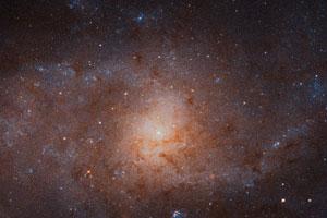 Galaktisches Panorama zeigt den Dreiecksnebel